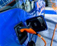 Elektroauto_Solarstrom_Ladesäule