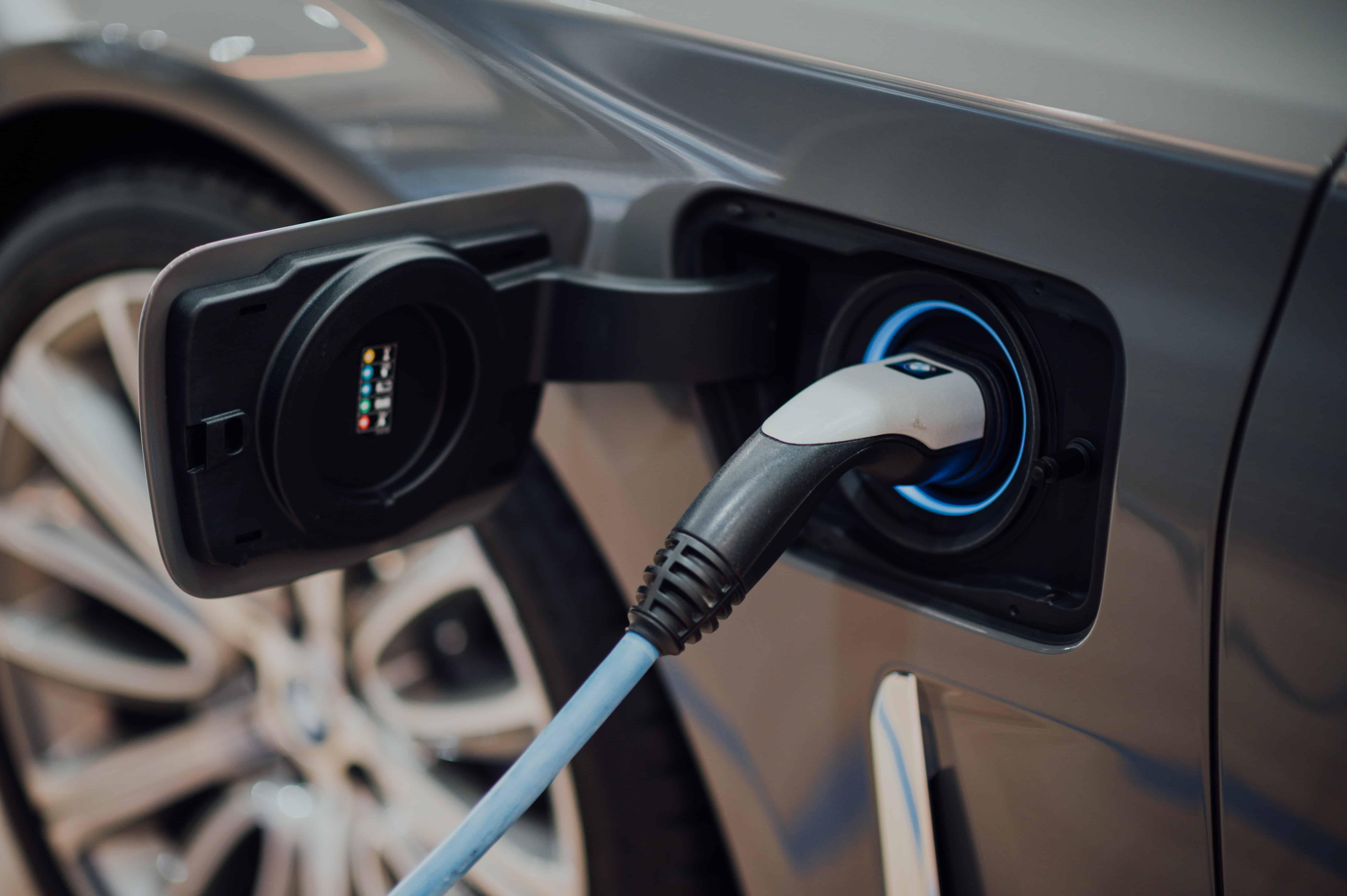 Marktüberblick-aller-Ladestysteme-Ladestationen-Elektromobilität