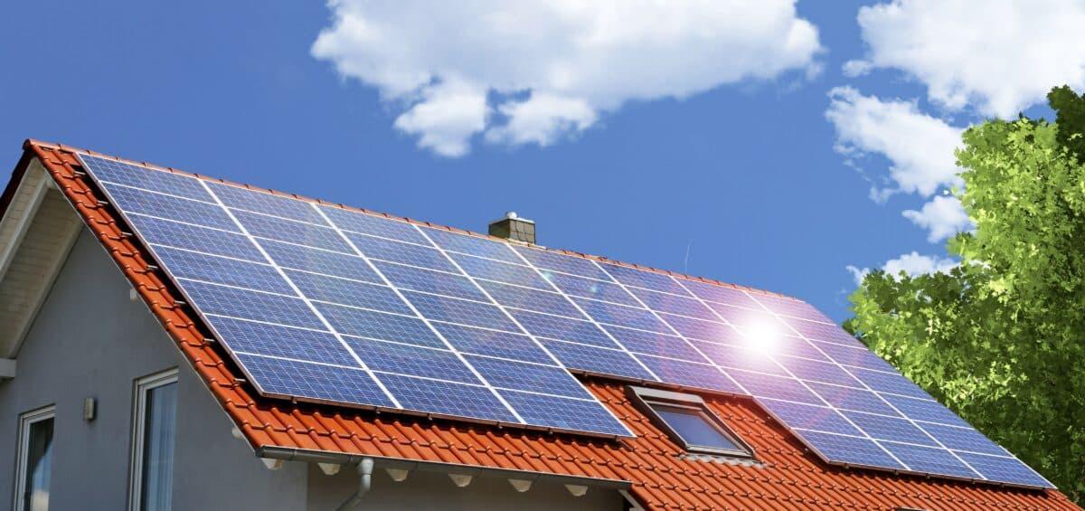 Professionelle_Reinigung_Solaranlage_